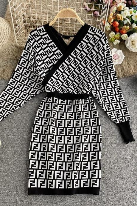 V-neck knitted dress new temperament long sleeves slim body in the long sweater buttock bottom dress