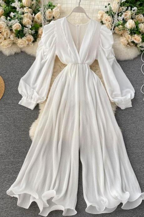 Retro fairy jumpsuit, V-neck bubble sleeves, slim waist, three-dimensional wooden ear trimming wide-leg pants