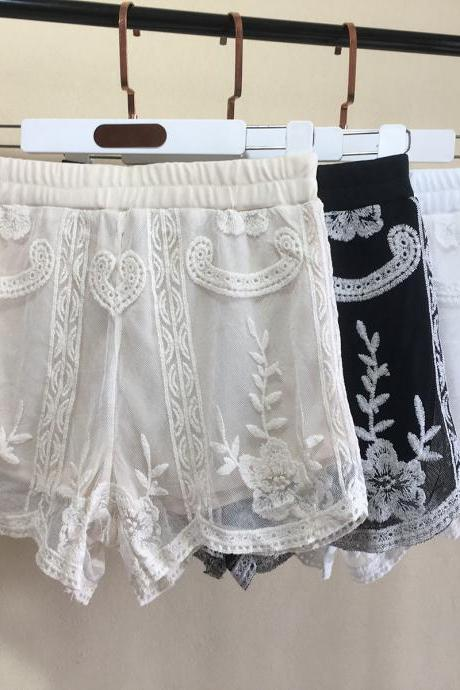 Lace shorts for external wear, hook flower hollowout, all-match leggings, embroidered breathable three safety pants