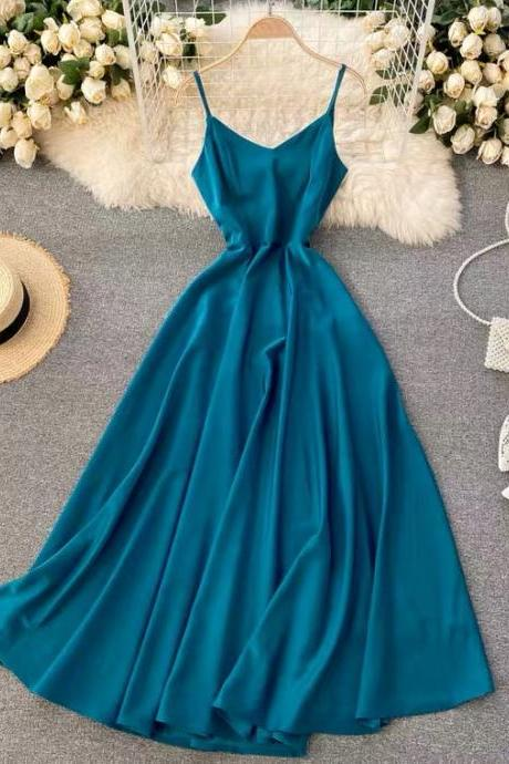 Cold wind, high - quality solid color dress, V-neck, backless sexy evening dress