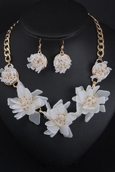 Handmade resin flower necklace, earring set, collarbone chain clothing accessories, wholesale