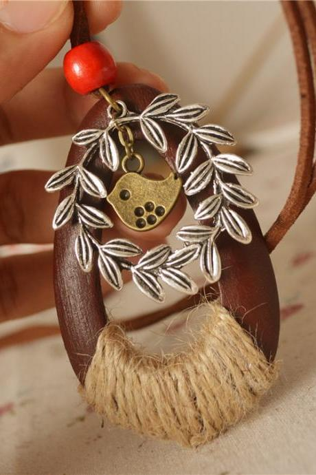 Handmade,Vintage, cotton and linen accessories, wooden hemp rope, flower rattan bird, pendant ethnic style long necklace, sweater chain, wholesale